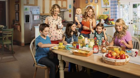 """""""Fuller House"""" stays true to original while making its own mark"""