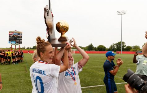 Girls Soccer beats out Oregon to win back-to-back state title