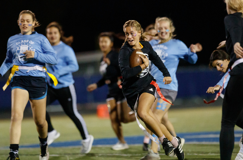 Seniors emerge victorious at Powderpuff game